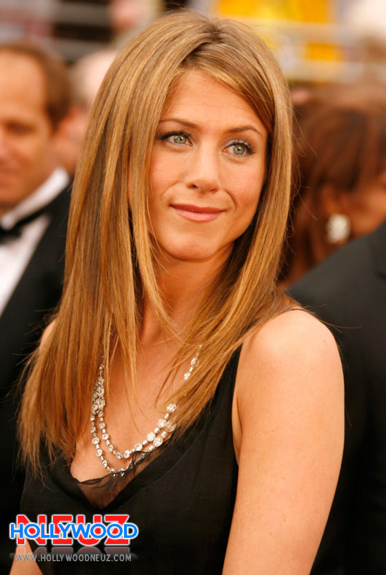 Jennifer Aniston - Age, Movies & TV Shows - Biography