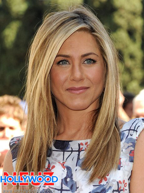 Jennifer Aniston Height, Weight, Measurements, Bra Size ...