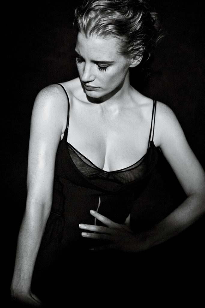 jessica-chastain-performance-the-heiress-02