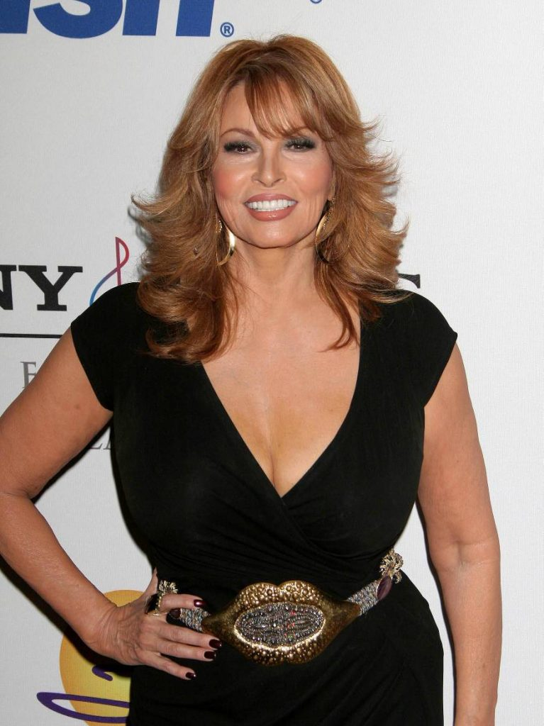 Raquel Welch Profile Biography Hot Pictures Hot Photos-8691