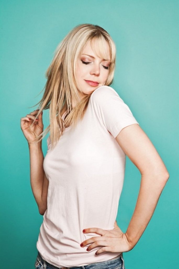 Riki Lindhome Profile| Biography| Pictures| News