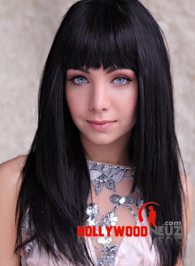 Ksenia Solo Profile Biography Pictures News-3657