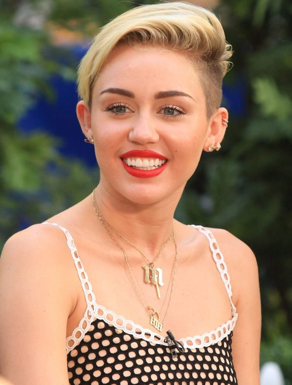 Miley Cyrus My Short Hair Style Makes A Role Model For Girls
