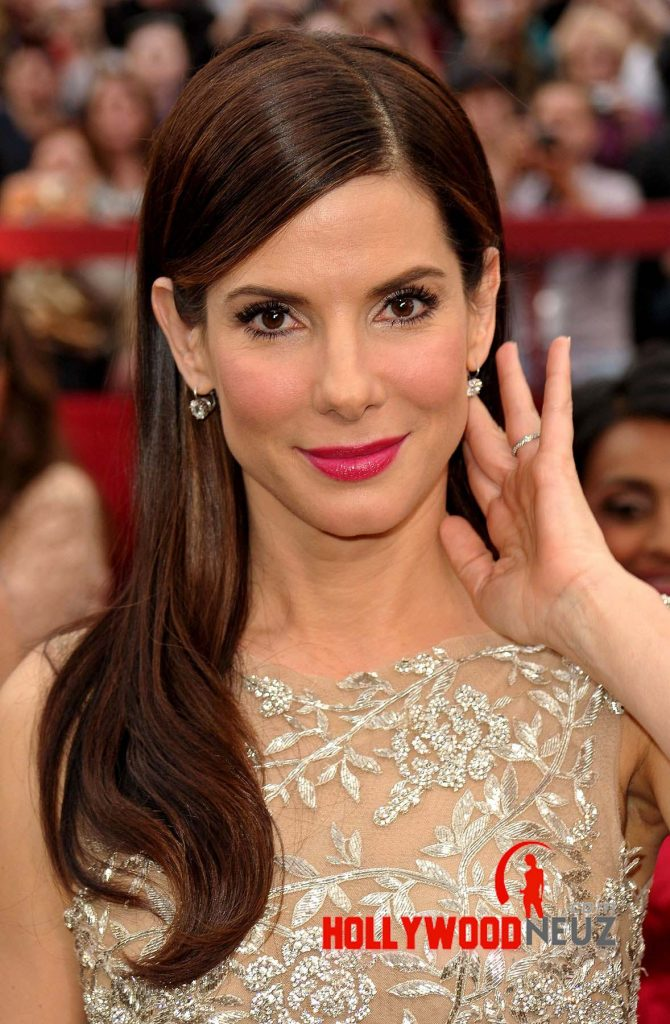 Sandra Bullock Profile| Biography| Pictures| News