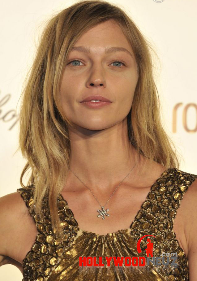 bio, biography, hollywood, boyfriend, husband, celebrity, facebook, fashion, female, Actress, gallery, images, hot photos, hot pics, hot pictures, images, america, model, news, photos, pic, pictures, profile, Sasha Pivovarova, twitter, wallpapers, wiki