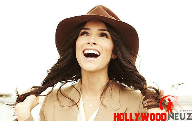 actress, bio, biography, boyfriend, celebrity, female, hollywood, husband, Abigail Spencer, model, profile, singer