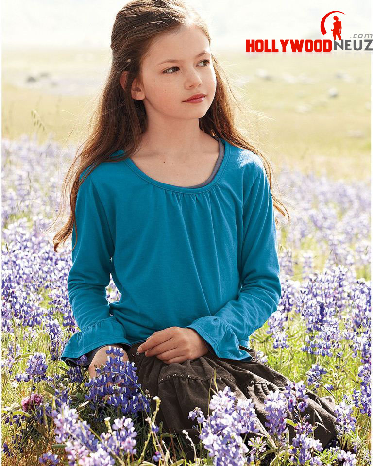 actress, bio, biography, boyfriend, celebrity, female, hollywood, husband, Mackenzie Foy, model, profile, singer