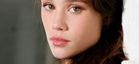 actress, bio, biography, boyfriend, celebrity, female, hollywood, husband, Àstrid Bergès-Frisbey, profile