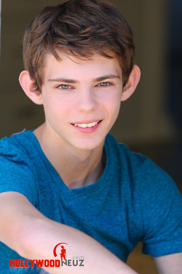 actor, bio, biography, celebrity, girlfriend, hollywood, Robbie Kay, male, profile, wife