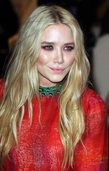 actress, bio, biography, boyfriend, celebrity, female, hollywood, husband, Mary-Kate Olsen, profile