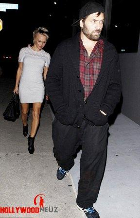 hollywood gossip, hollywood latest news, hollywood news, hollywood news today, Pamela Anderson, Rick Salomon, stepped out, dinner date