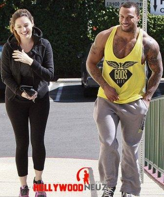 hollywood gossip, hollywood latest news, hollywood news, hollywood news today, Kelly Brook, David McIntosh, flashed, engagement ring