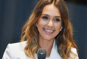 hollywood gossip, hollywood latest news, hollywood news, hollywood news today, Jessica Alba, stepped out, mismatched outfit, New York
