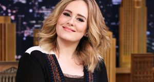 Adele Blasted On her Fan During Concert