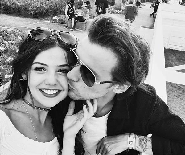 louis-tomlinson-danielle-campbell-pda-topless-vacation-ftr