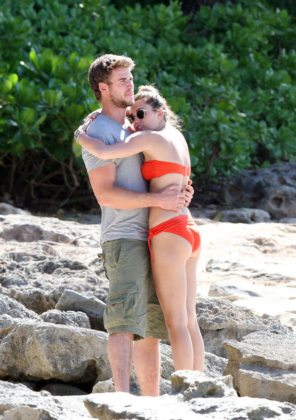 miley-cyrus-liam-hemsworth-want-a-summer-wedding-ftr
